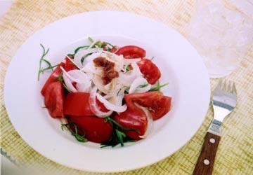 トマトと玉ねぎのサラダ